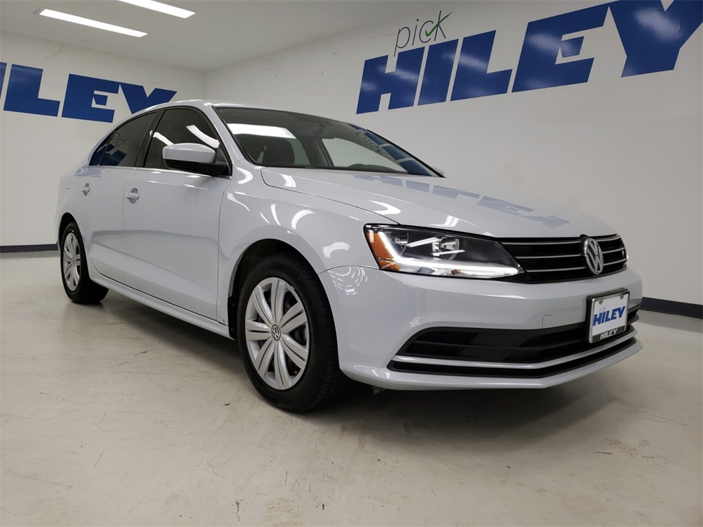 Pre-Owned 2017 Volkswagen Jetta 1.4T S FWD 4D Sedan